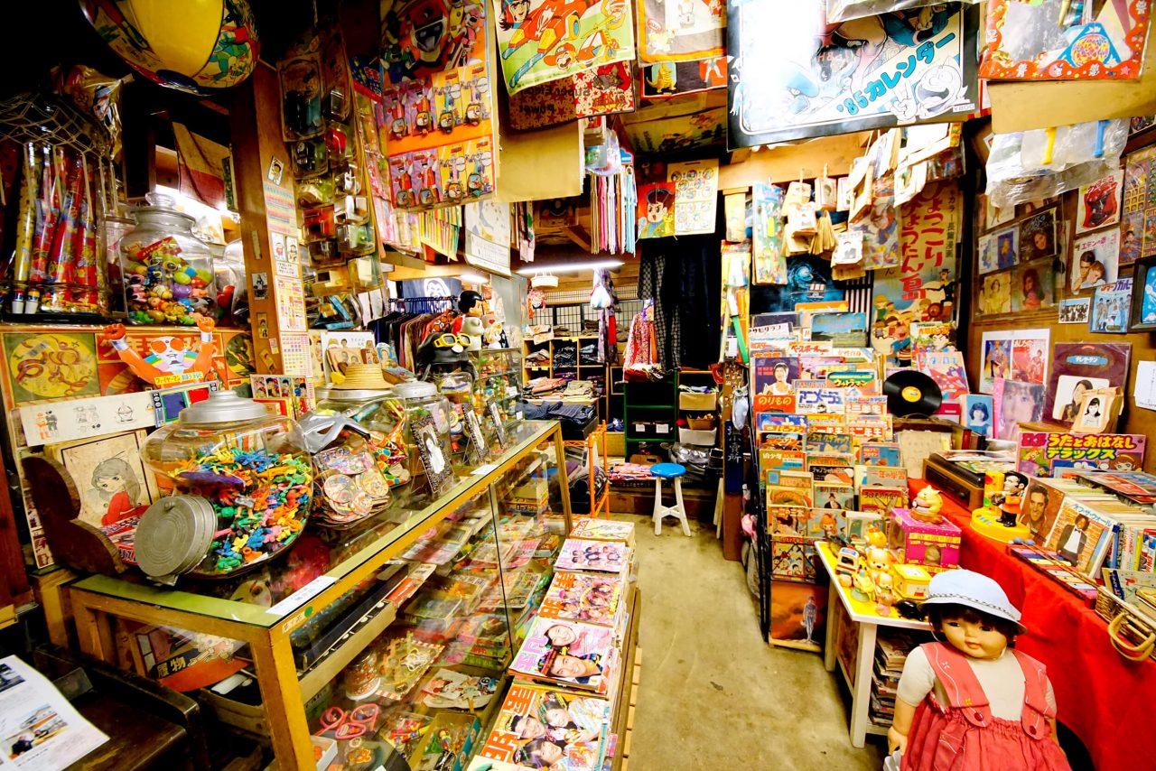 Shiroishi Storehouse of dolls