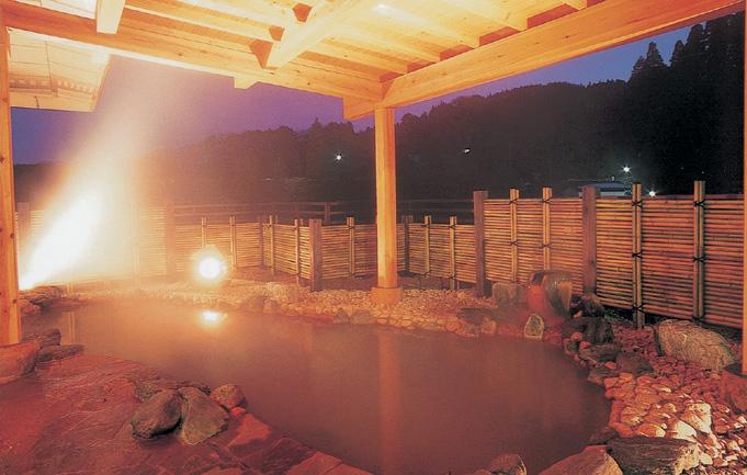 ที่พักบ่อน้ำพุร้อนแบบขุ่น ยุชุ คิมุรายะ