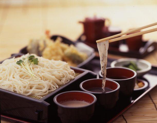 【白石温麺】 代表白石的名產之一。學到、買到、吃到、料理、一起跳舞,進而熟悉的鄉土味道。